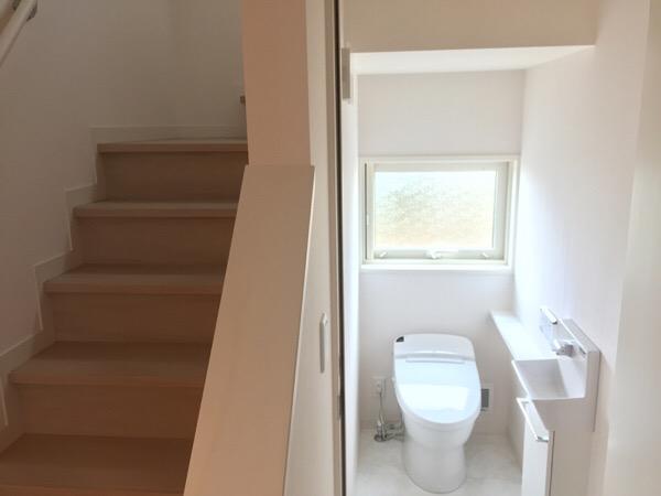 【1Fトイレ】空間を有効に使いつつ大人女子らしい雰囲気に