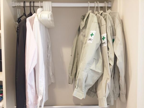 服の収納方法、ハンガーと引き出しの使い分け
