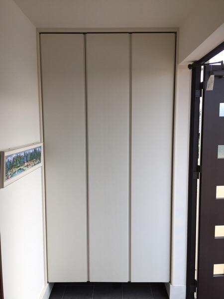 小さい玄関収納でも大きいモノを入れる工夫