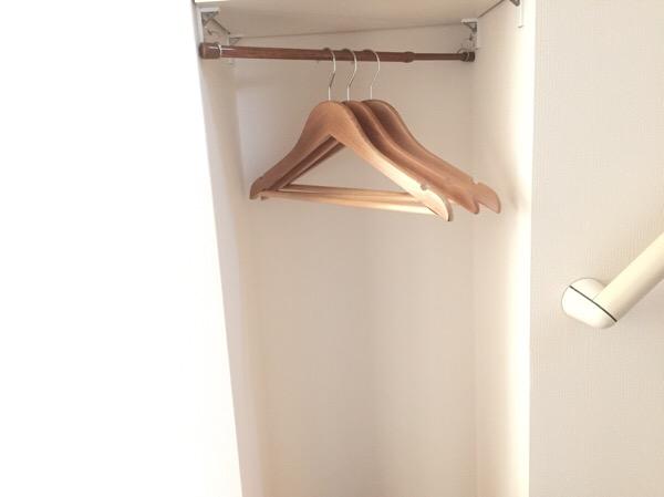 可動棚をハンガータイプにアレンジする簡単な方法